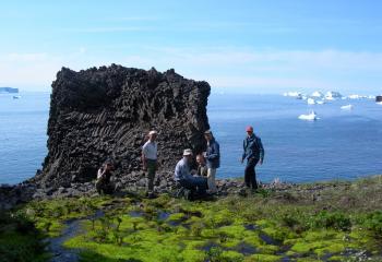 Diskoøen, isbjerge og Eqi Gletsjer